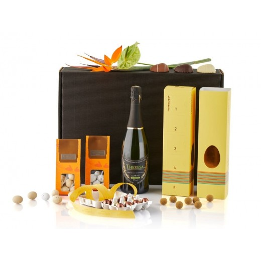 by PR Easter giftbox med alkoholdfri bobler-313