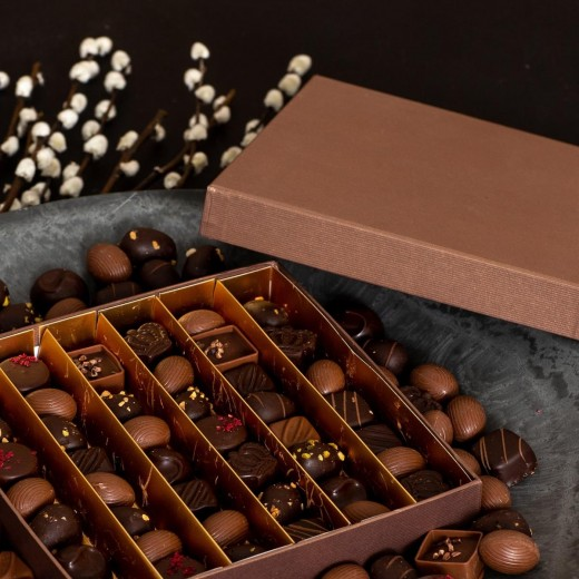 Func Bronze gaveæske med chokoladeblanding og påskeæg-37