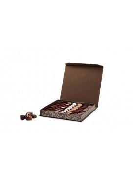 by PR Cocoture æske med 49 stk. fyldte chokoladestykker-20