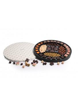 by PR Cocoture stor rund æske med chokoladestykker og lakrids-20